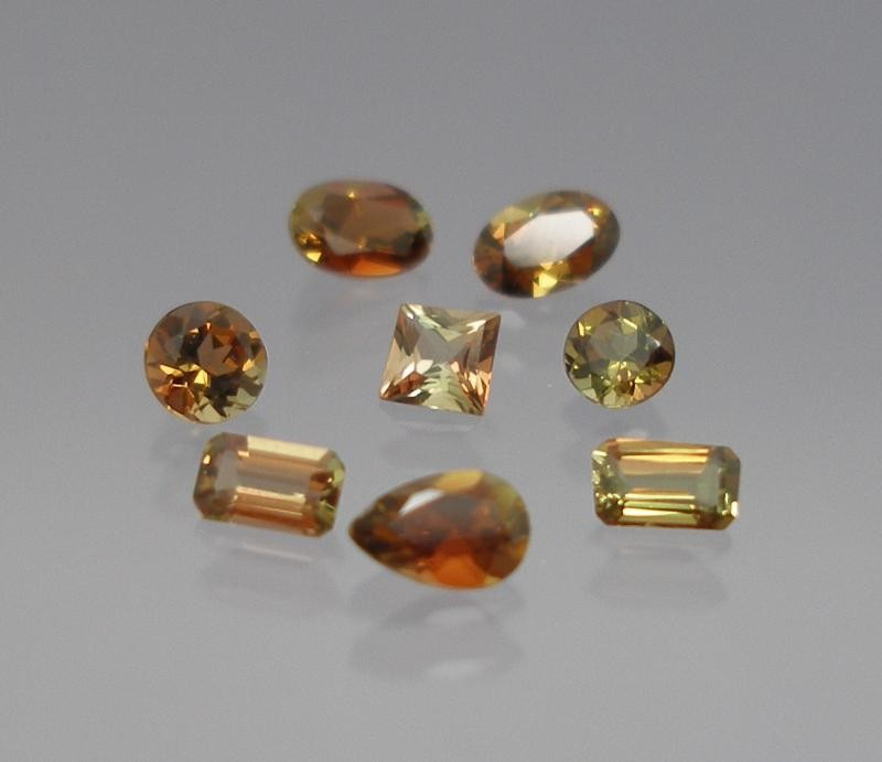 Andalusite facetted 8x6 mm, Brazil