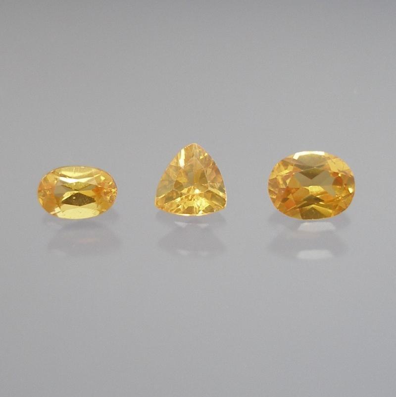 Scheelite facetted 6x4 mm, China