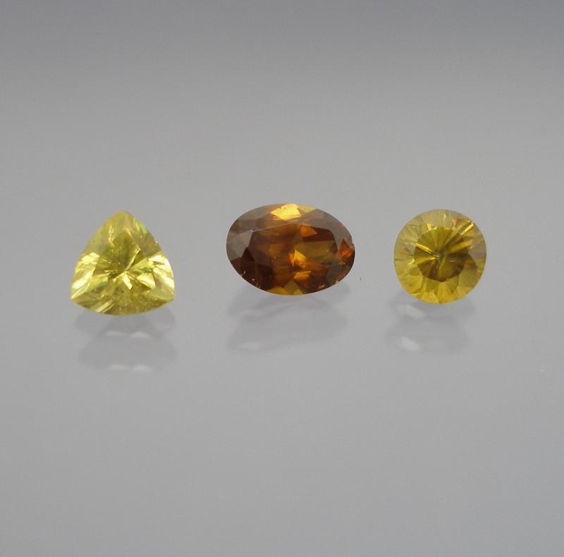Sphene (titanite) facetted 3 mm, Madagascar