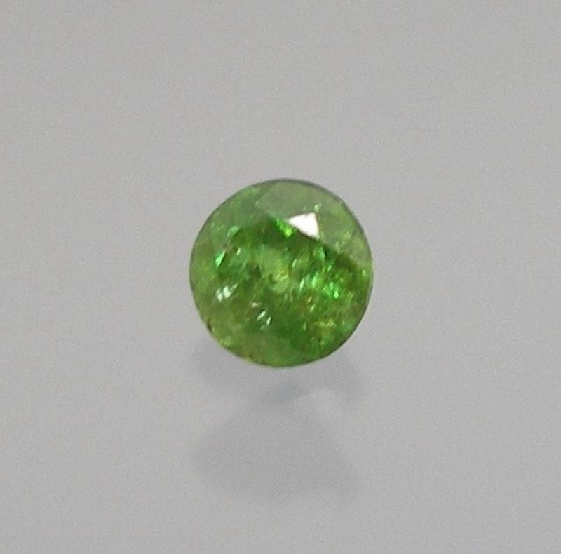 Sphene (Titanit - (Cr)) facetted 2 mm, Mexico