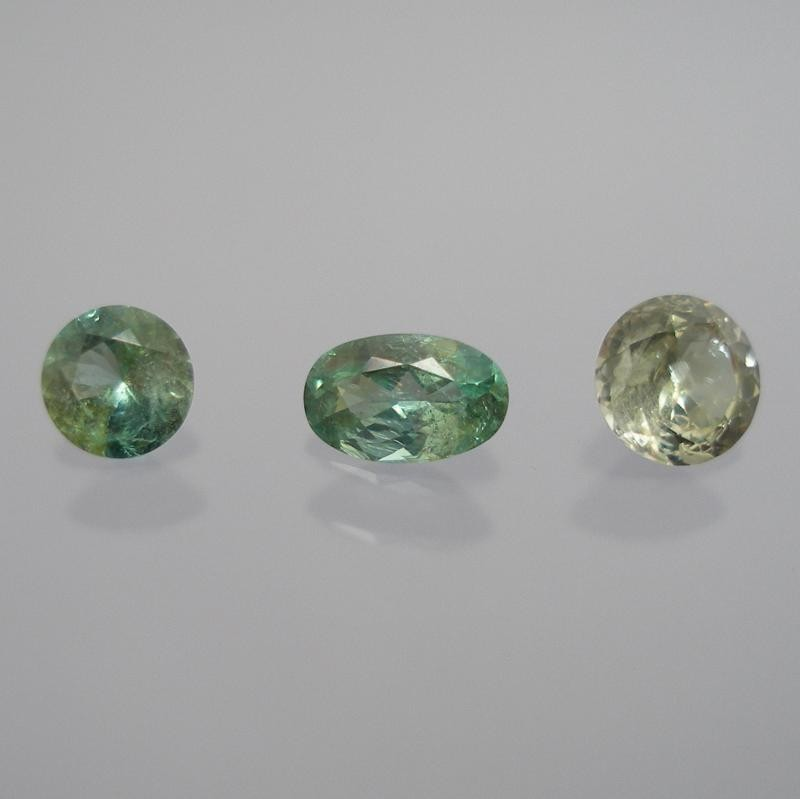 Tanzanite (Zoisite) facetted 4 mm, Tanzania
