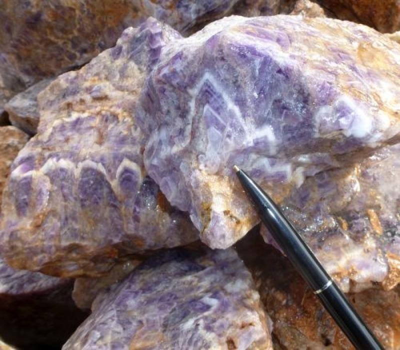 Amethyst (Chevron), rough, Morocco, 100 kg