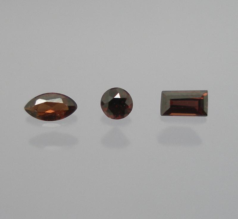 Painite facetted 2.6 mm, Burma