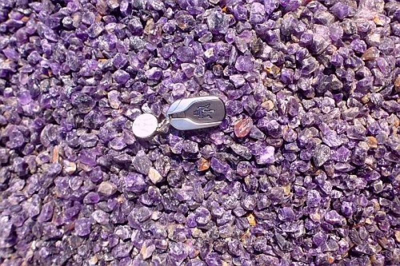 Amethyst (cutting grade, gemmy), rough, Zambia 100 kg