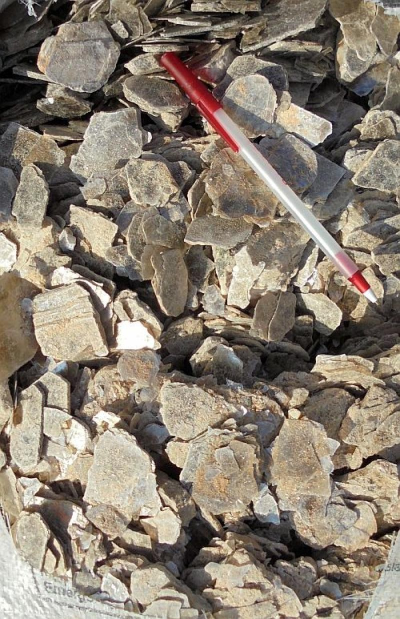 Muscovite (mica), small plates, Madagascar, 100 kg
