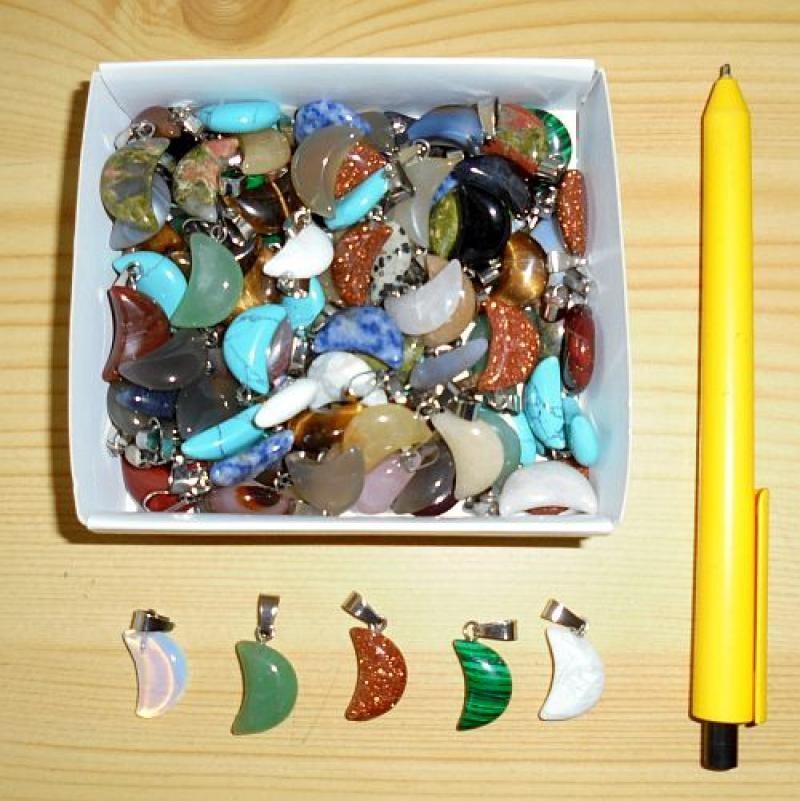 "Stone pendant ""moon"", small, mixed, 10 pieces"