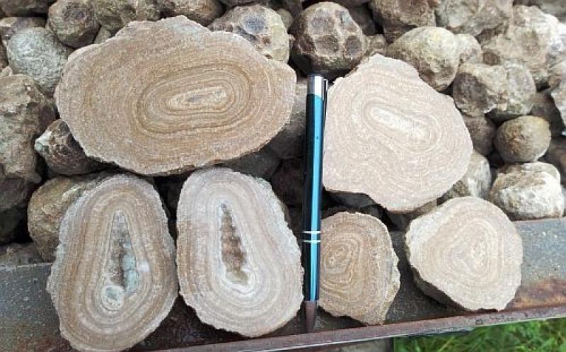 Aragonite, Eichelberger nodules, Austria, 100 kg