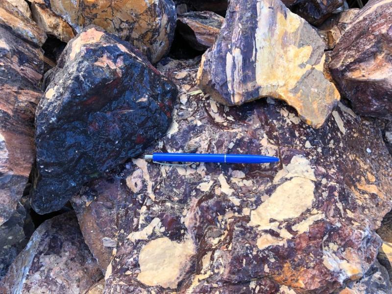 Pyrophyllite, hard soap stone, multicolour, Namibia, 100 kg
