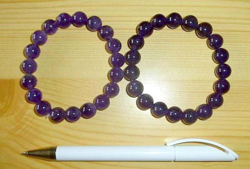 Wrist band with amethyst, 8 mm spheres 1 piece