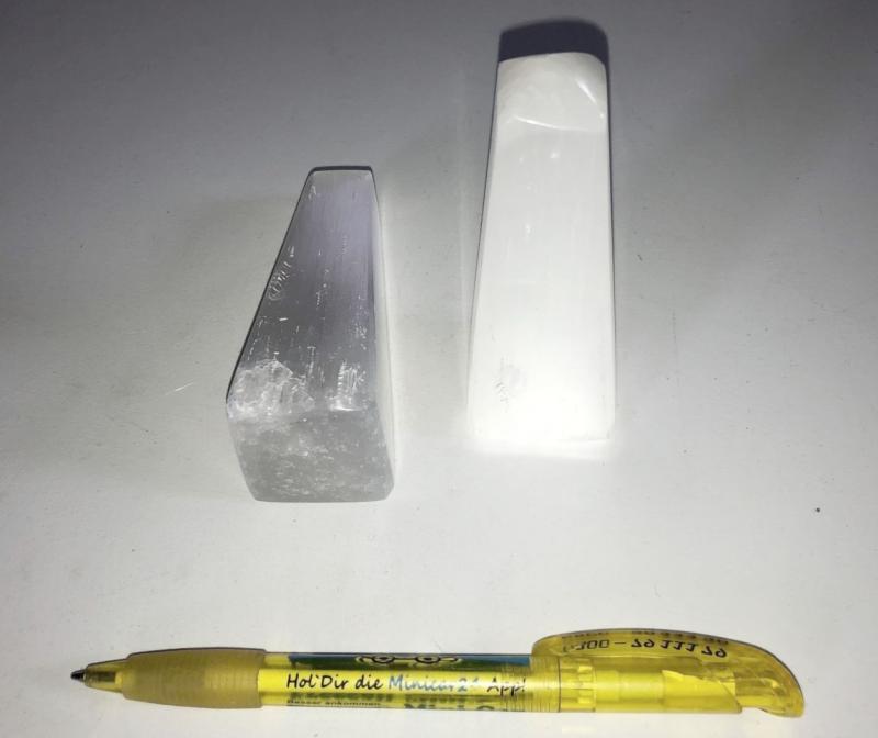 Selenite mountain, obelisk, polished, 8 to 10 cm, 10 pieces