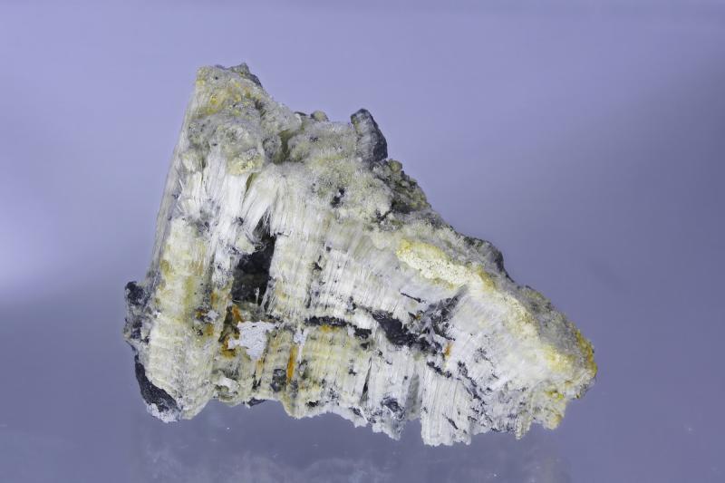 Epsomite; Idria, Slovenia; MM