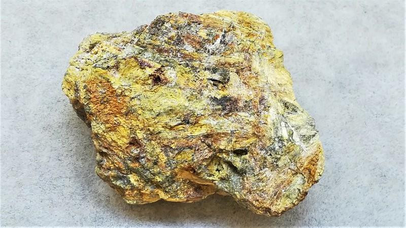 Oxyplumboromeite (Bindheimite); Mt. Avanza, Udine, Italy; MM