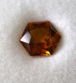 Glass doublet hexagonal, orange, 6 mm