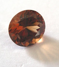 Garnet (spessartite - spessartine) facetted 8 mm, Sri Lanka