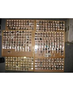 1000 different mineral species, collection of MM size