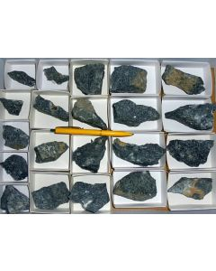 Aris, Windhoek, Namibia; small collection of well identified specimen; 1 lot of 22 specimen, large flat