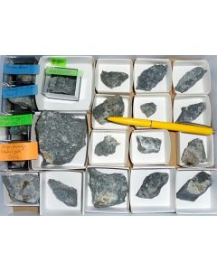 Aris, Windhoek, Namibia; small collection of well identified specimen; 1 lot of 18 specimen, large flat