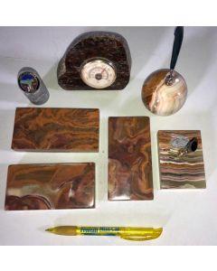 "Aragonite (""Onyx"") polished items, 1 lot"
